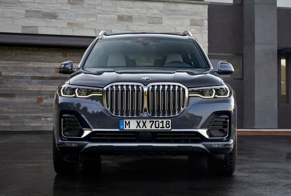 BMW X7 будет всего на 10 тысяч рублей дороже конкурента от Mercedes-Benz