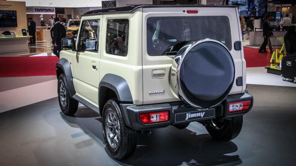 Suzuki Jimny сзади
