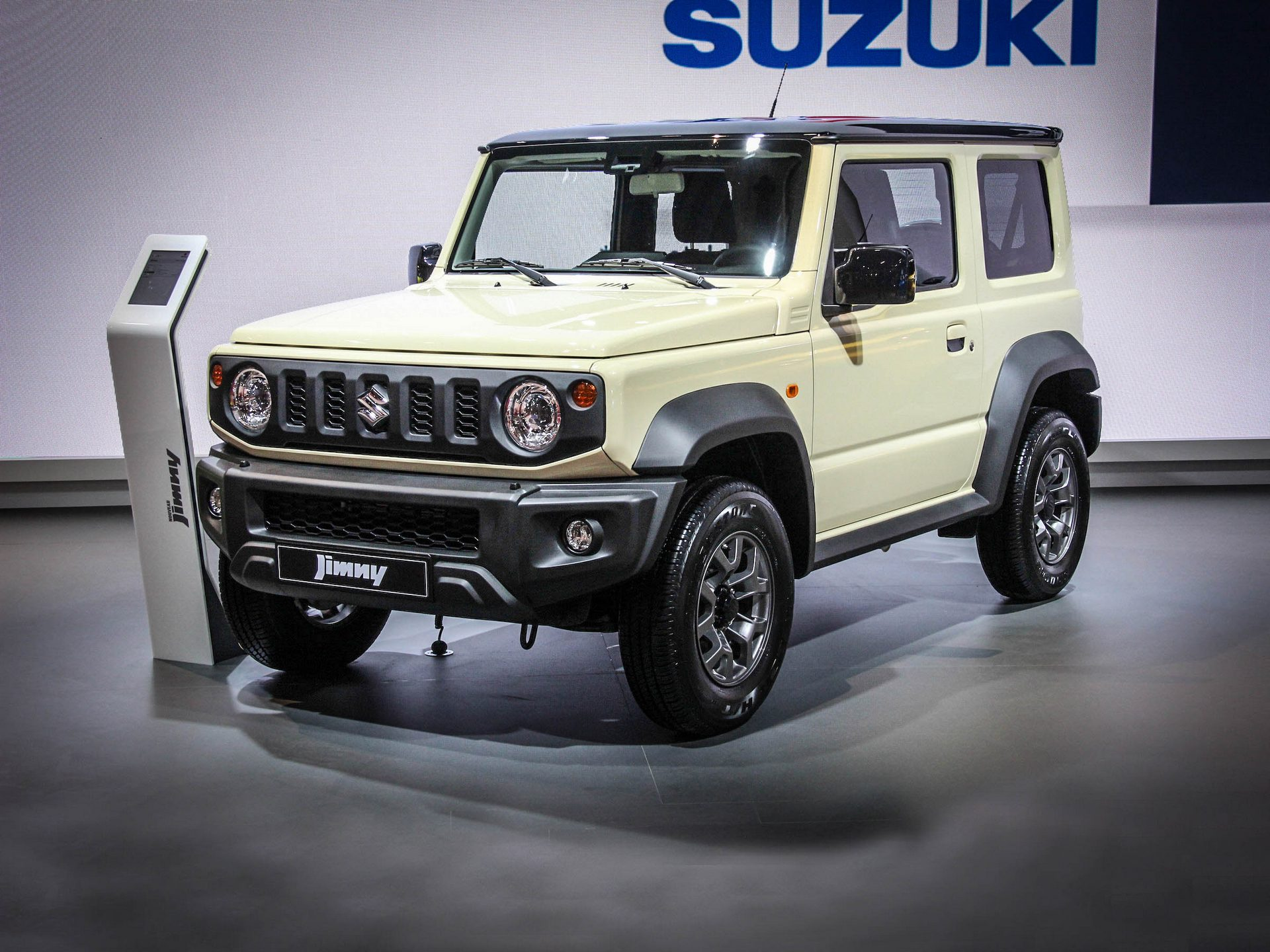 Premiere Of The New 2018 2019 Suzuki Jimny Review And Video