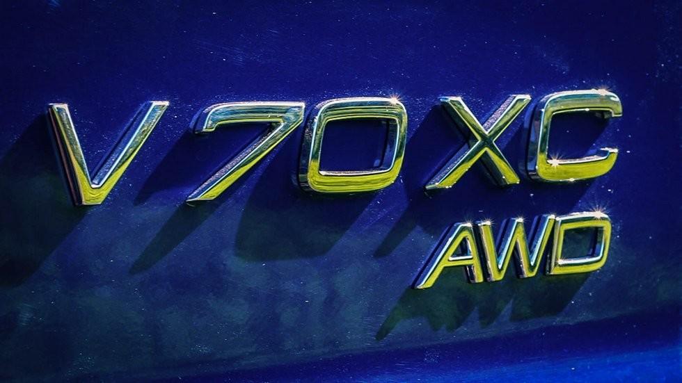 Volvo V70 XC шильдик (2)