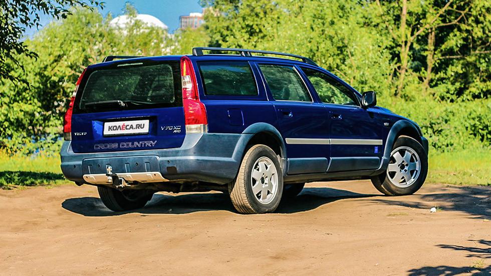 Volvo V70 XC сзади (3)