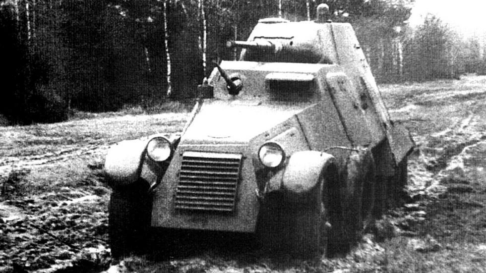 Испытания мощного дизельного броневика БА-11Д (из архива М. Соколова)