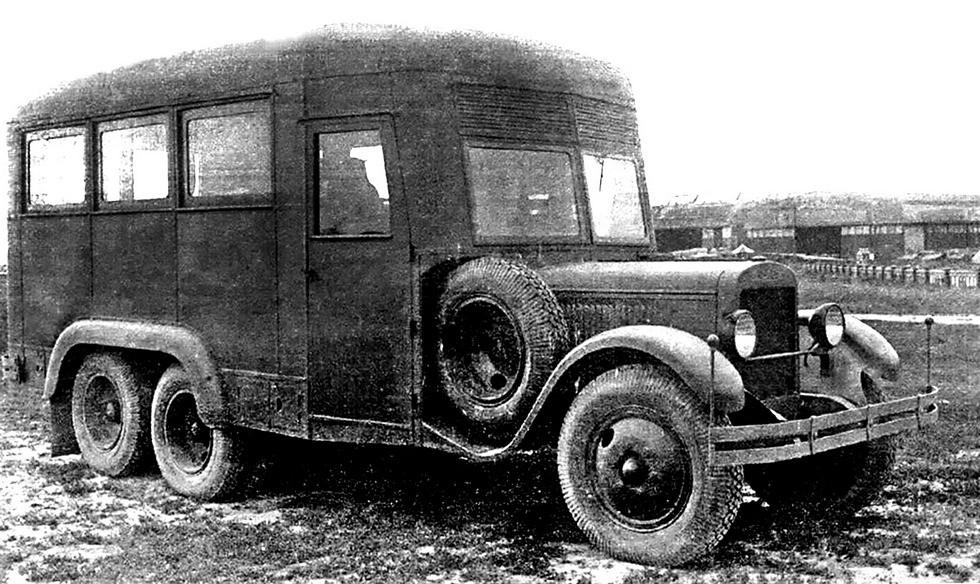 Авторемонтная мастерская Крюковского завода в кузове автобусного типа