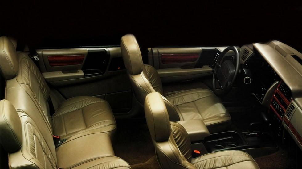 Интерьер Jeep Grand Cherokee Limited Worldwide (ZJ) '1993–96