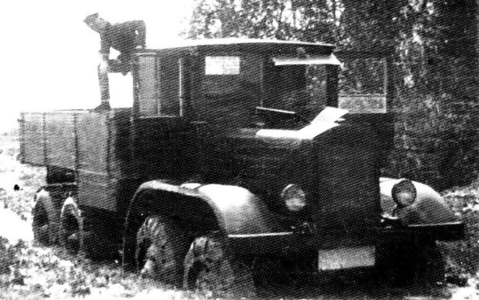 Испытания ЯГ-12 с передними цепями и задними гусеницами