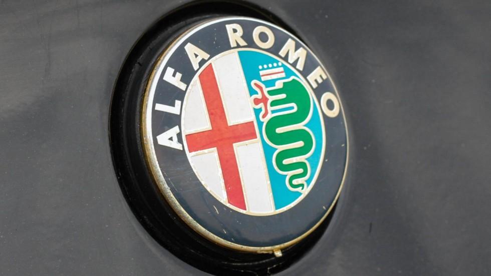 Alfa Romeo GTV эмблема (2)