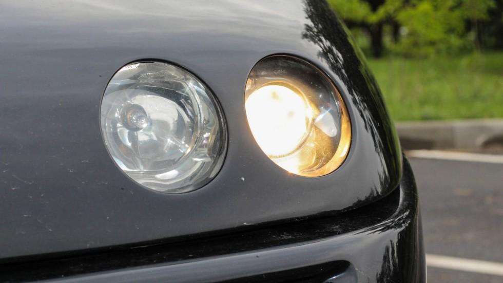 Alfa Romeo GTV фара
