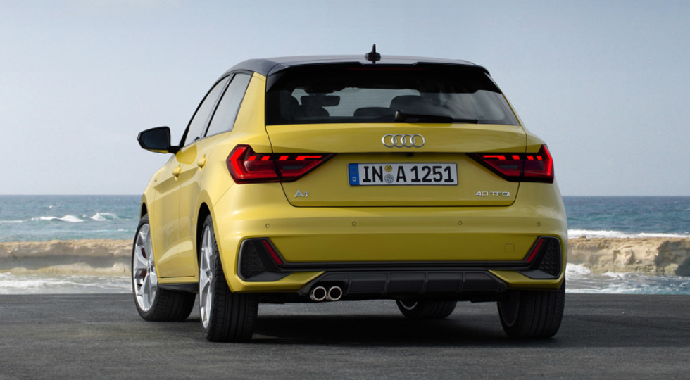https://www.kolesa.ru/uploads/2018/11/audi_a1_40_tfsi_s_line_3-980x540-c-center.jpeg