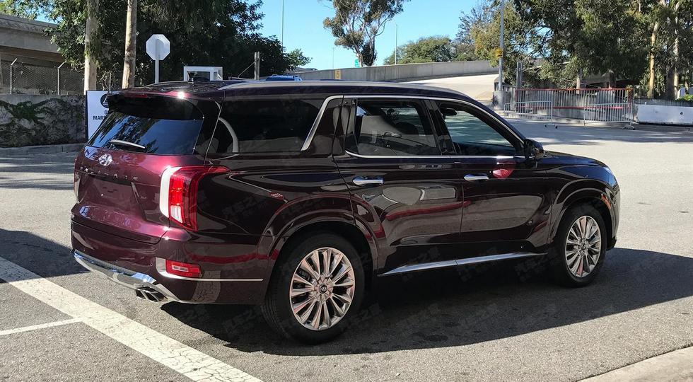Флагманский кроссовер Hyundai Palisade сбросил камуфляж. Модели прочат дизель от Santa Fe