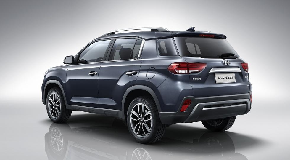 Hyundai ix35 обновили через год после дебюта: кроссу подправили внешность и отрядили турбомотор