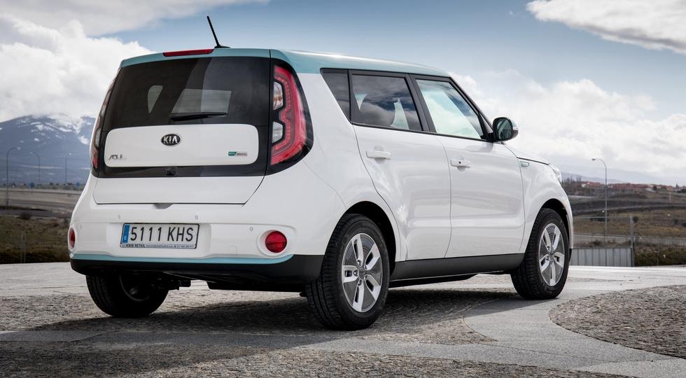 Новый Kia Soul: узнаваемый дизайн, моторы от Hyundai Kona и, возможно, полный привод