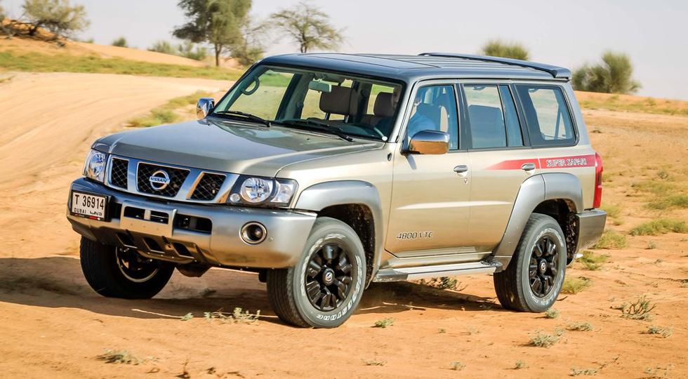 На фото: Nissan Patrol Super Safari (Y61)