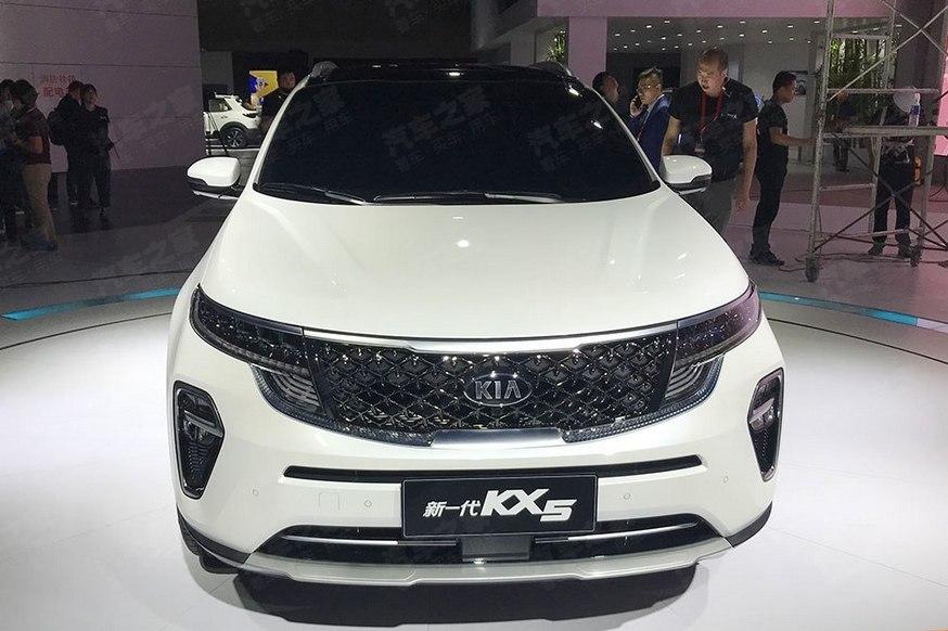 Кроссовер Kia Sportage сменил «лицо» на фоне обвала продаж