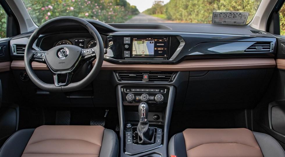 VW Tharu: комплектаций больше, чем у Skoda Karoq, цены – выше. Оба кросса пропишутся в России
