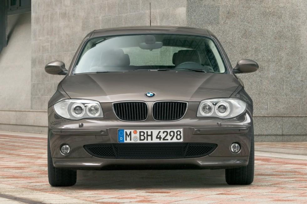 BMW 120d (E87) '2004–06 спереди