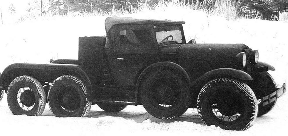 Машина ГАЗ-ТК для перевозки амуниции и буксировки легкой артиллерии