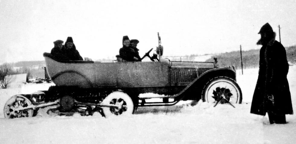 Легковой Packard с движителями Кегресса на испытаниях под Москвой. 1928 год