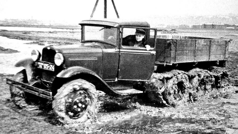 Экспериментальный вездеход ГАЗ-66 с двумя вспомогательными мостами