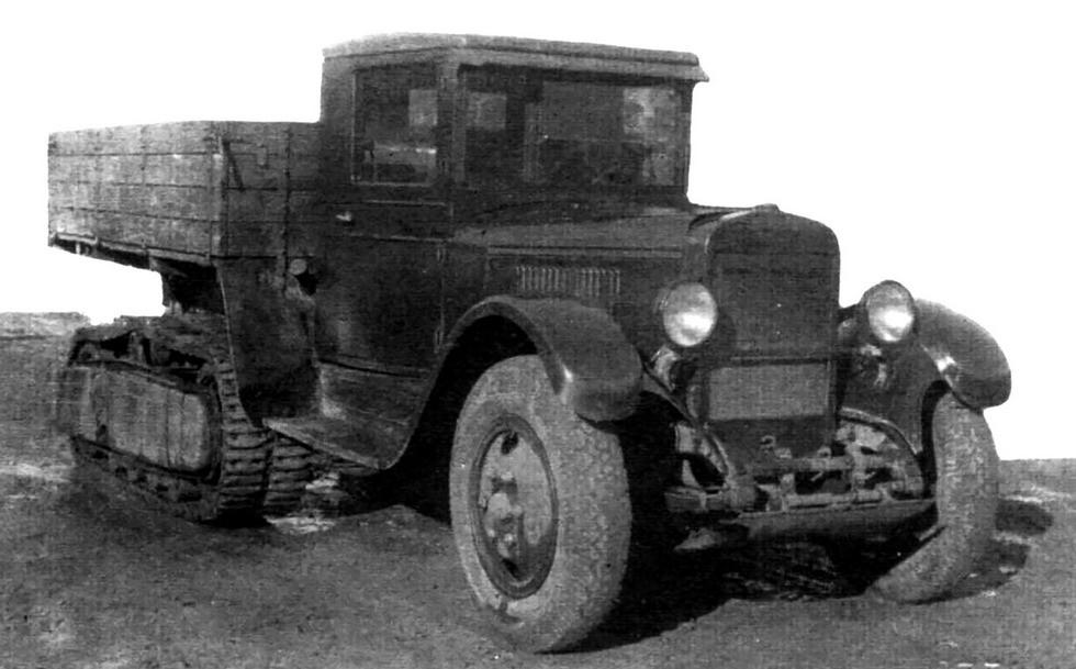 Грузовик ЗИС-22Н с принудительным зацеплением гусениц. Весна 1940 года