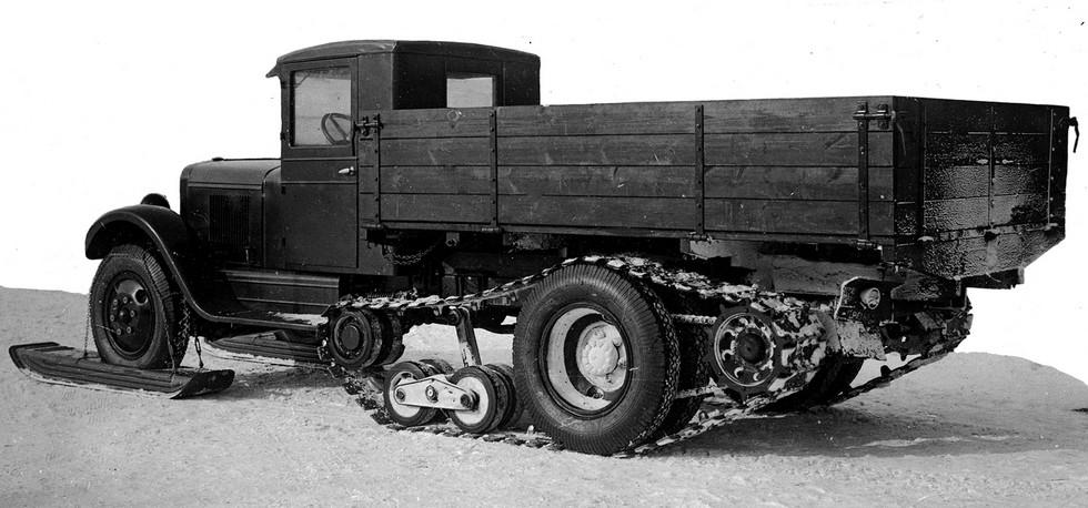 ЗИС-33 с приводом гусениц от ведущих зубчатых барабанов. Январь 1940 года