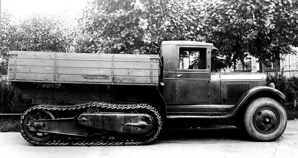 Проходной вариант ЗИС-22-50 со специальными стальными гусеницами. Лето 1940 года