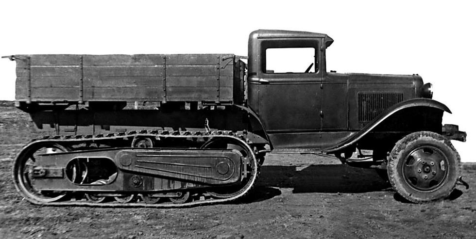 ГАЗ-60П с передними зубчатыми барабанами движителей (их архива М. Соколова)