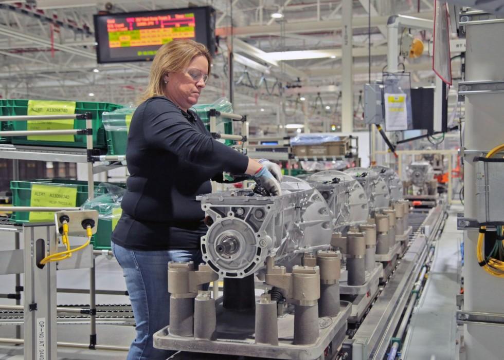 Ford может уволить до трети своих сотрудников