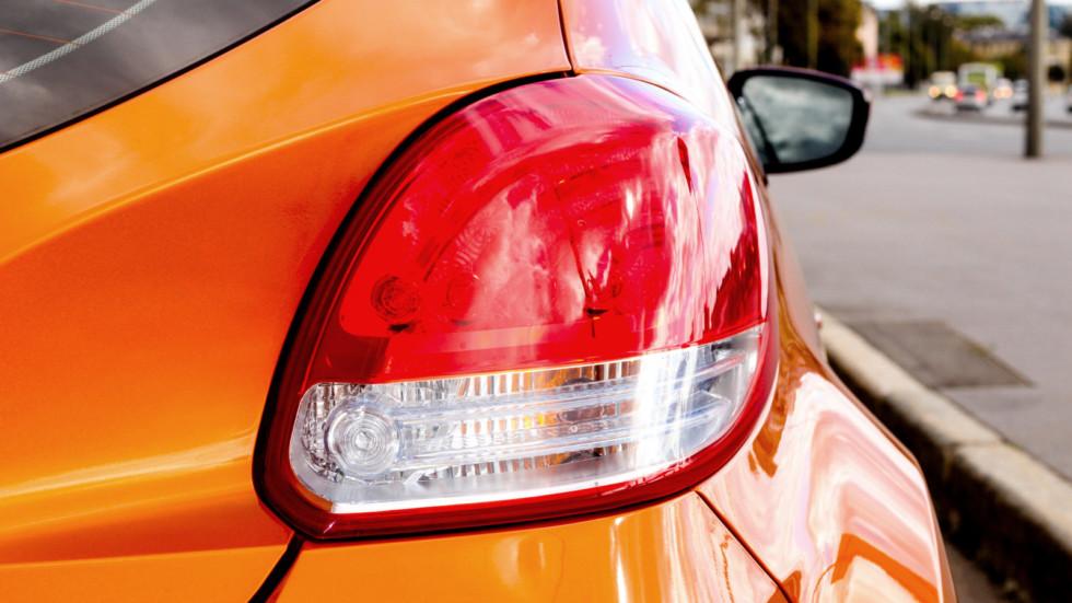 Hyundai Veloster задний фонарь