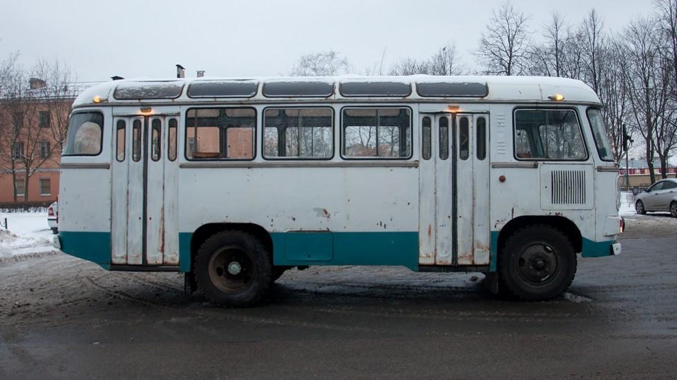 ПАЗ 672М сбоку