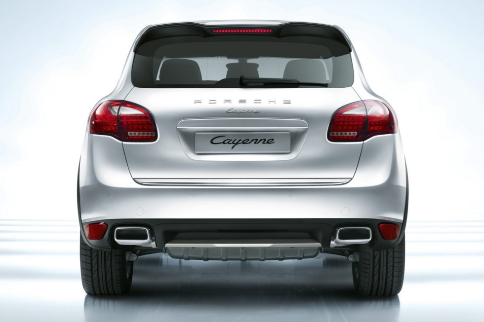 Porsche Cayenne (958) '2010–14 сзади