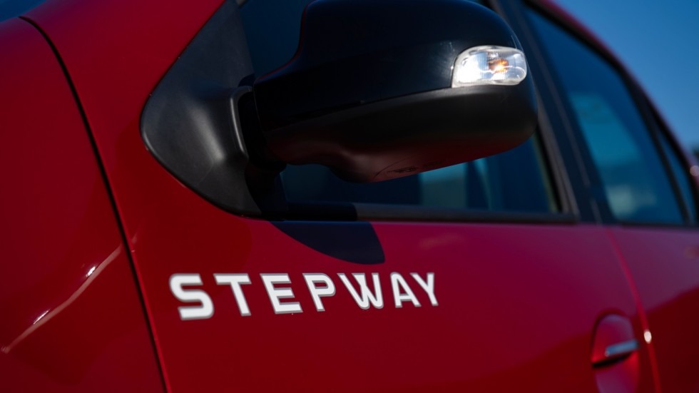 Renault Logan Stepway боковое зеркало