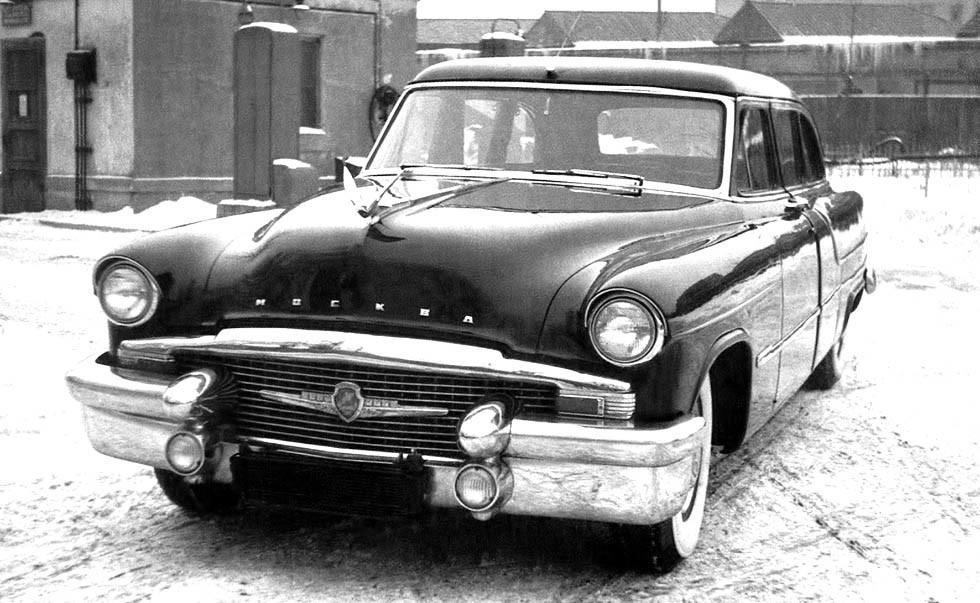 Опытный автомобиль ЗИС-111 «Москва» — предшественник лимузина ЗИЛ-111. 1955 год