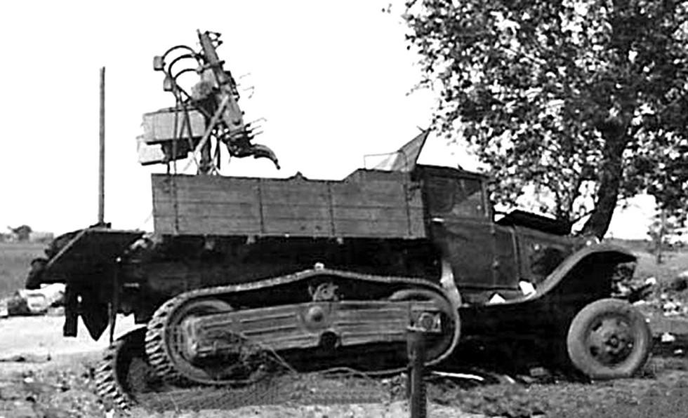 ГАЗ-60 с пулеметной установкой 4М