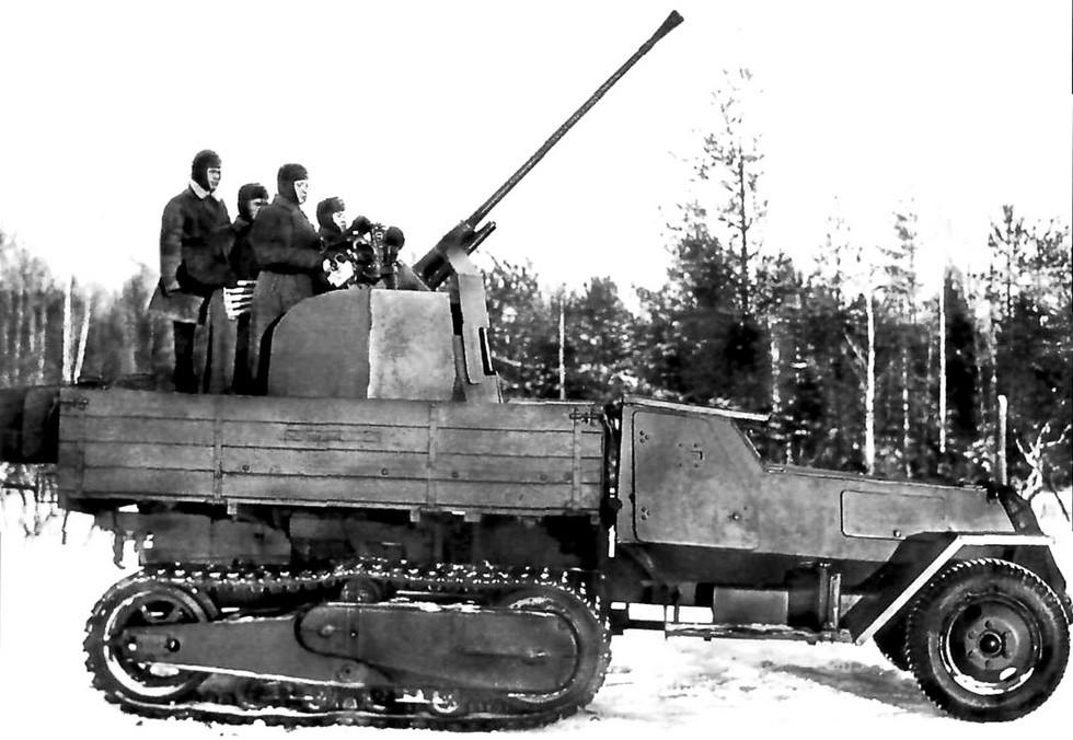 Полубронированная установка ЗИС-43 с бортовыми редукторами