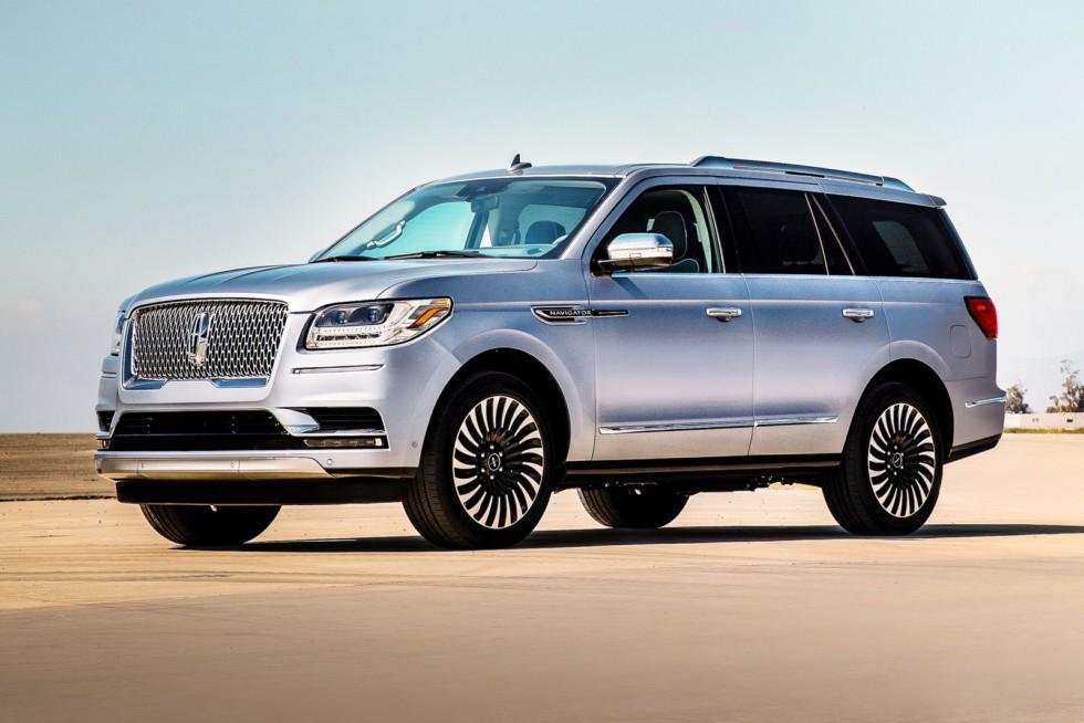 Ассортимент премиальных моделей в России неплохой, но кое-кому этого недостаточно – нужен американский Lincoln Navigator.