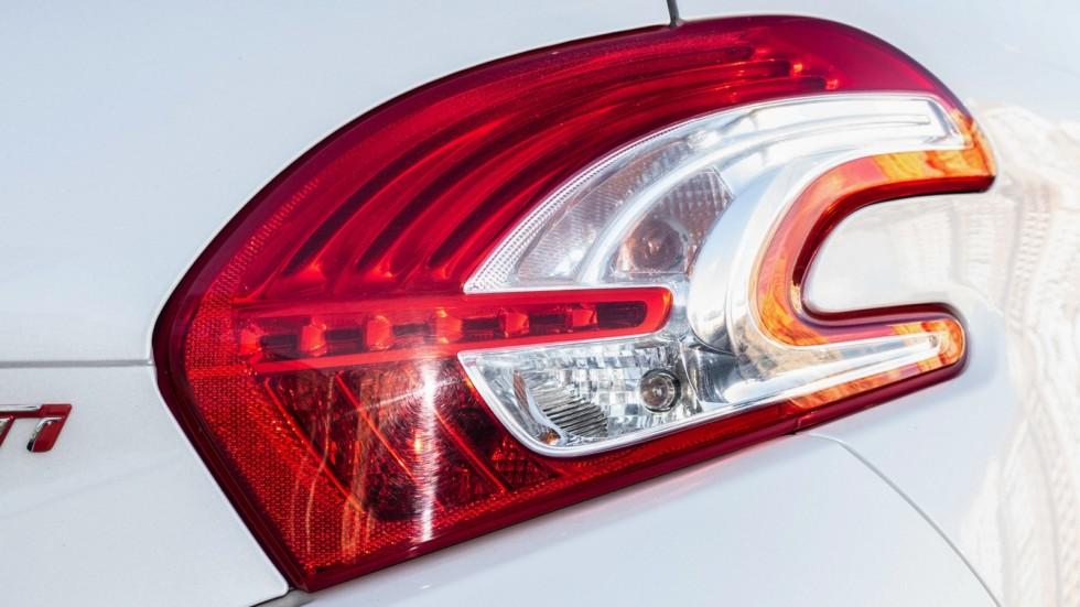 Peugeot 208 GTI фонарь
