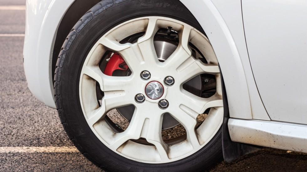 Peugeot 208 GTI колесо