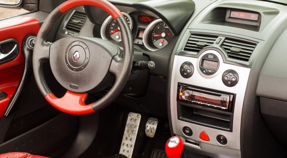 Главное – ввязаться в бой: опыт владения Renault Megane II CC