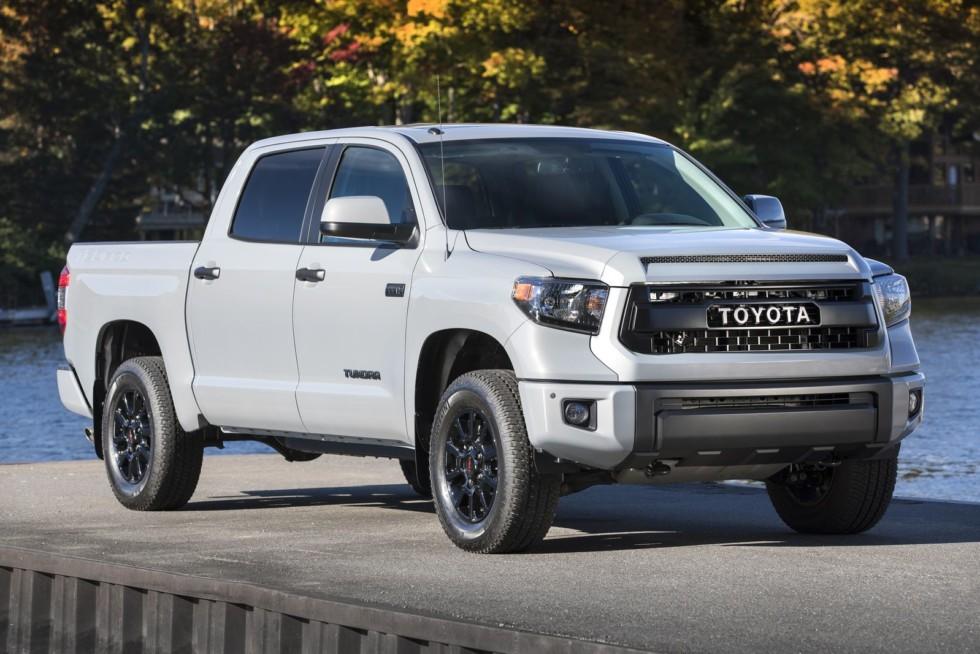 Американский «японец» Toyota Tundra нашёл в прошлом году в России 50 покупателей без всякой поддержки представительства.