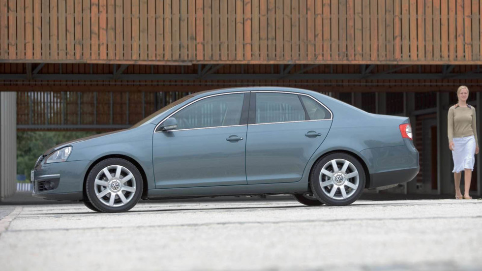 Volkswagen-Jetta-2006-1600-2b