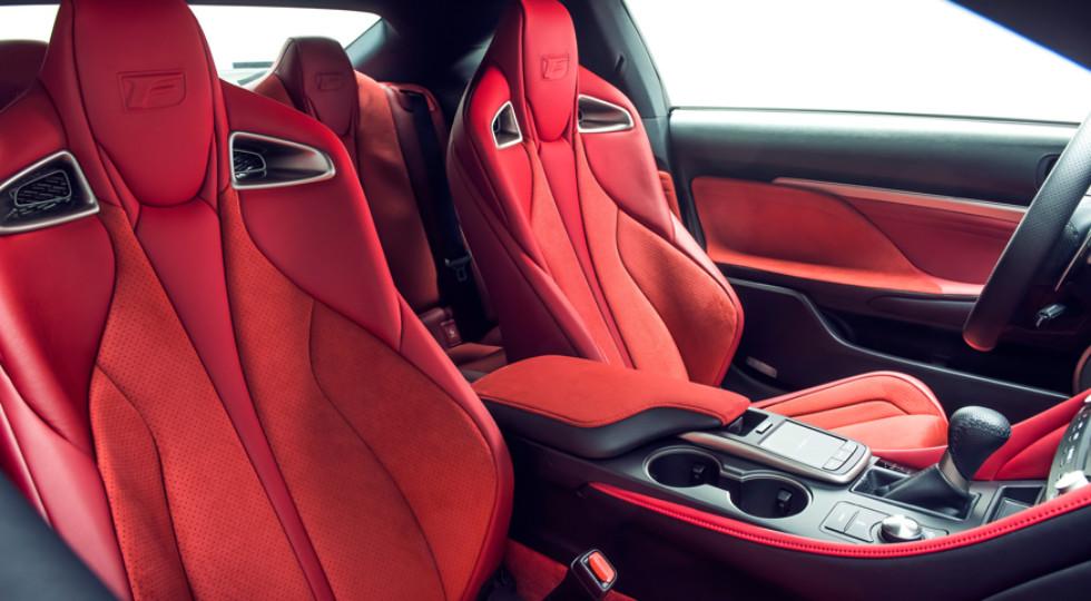 Lexus RC F скинул лишние килограммы и стал мощнее