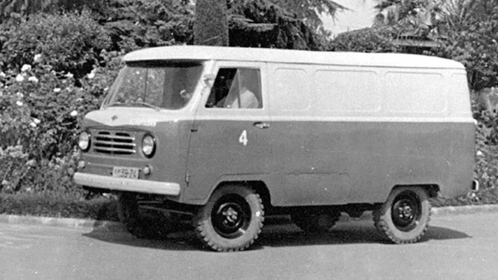 На фото: цельнометаллический фургон семейства 450