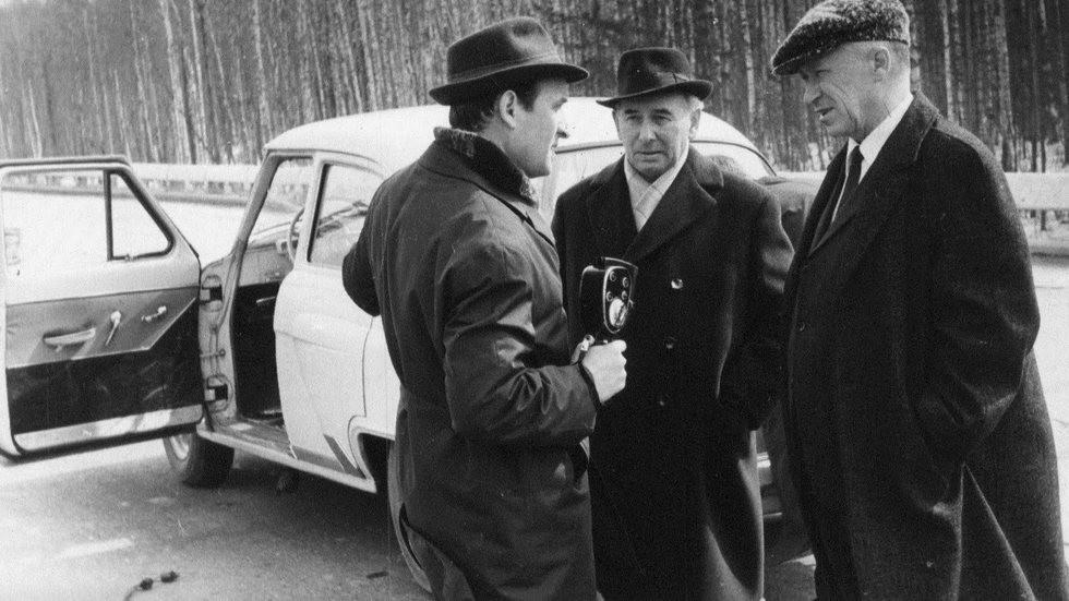 Андронов (справа) на Дмитровском автополигоне