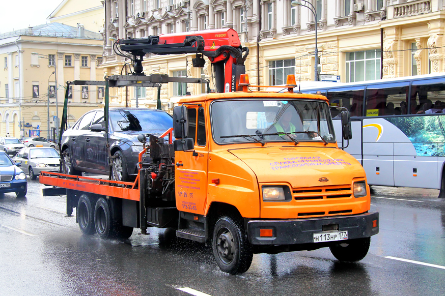 За автоэвакуацию без протокола предложили ввести штраф до 50 000 рублей