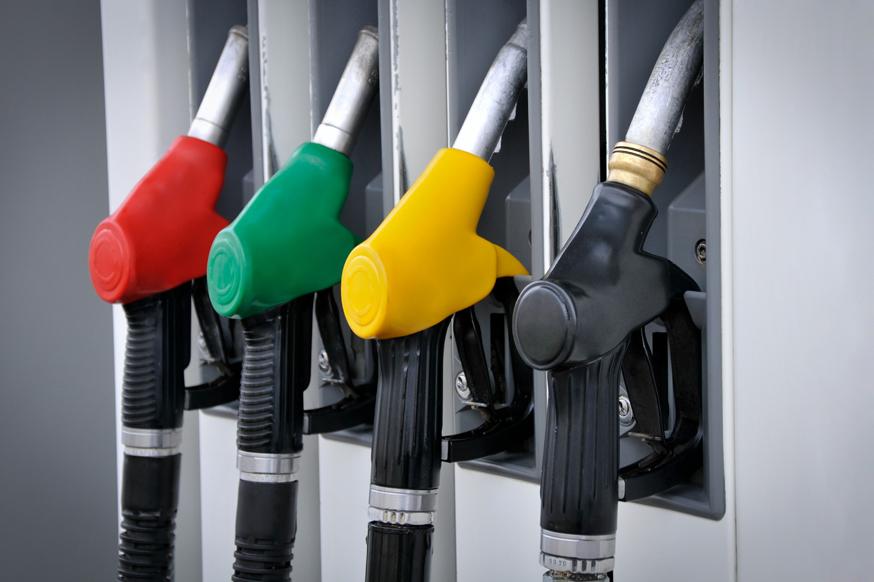 Очередное обещание властей: бензин в 2019 году подорожает не более, чем на 4,3%