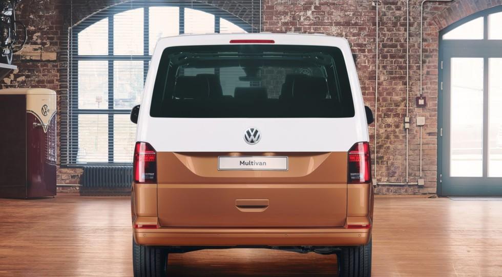 Обновлённый VW Multivan: маска Туарега и виртуальный кокпит