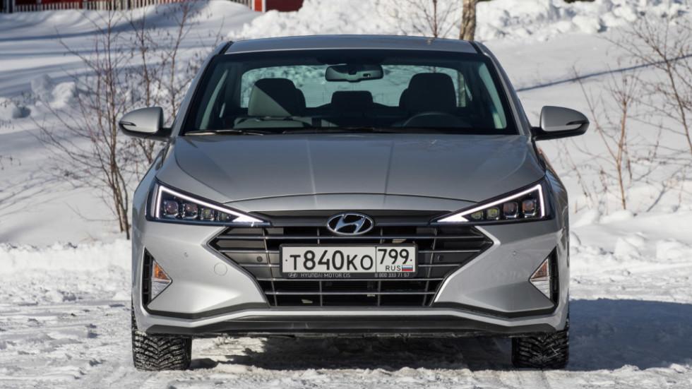 Hyundai_Elantra_statics-27