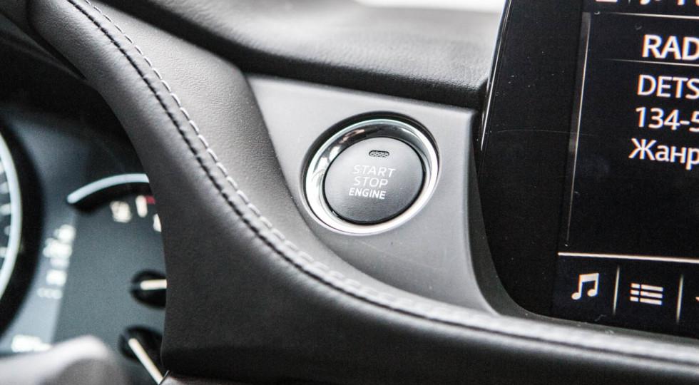 Движение сверх: обновлённая Mazda6 против Skoda Superb