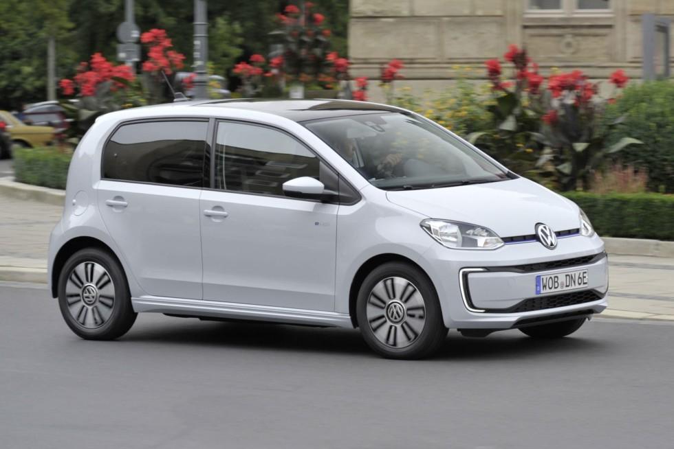 Электрический Volkswagen e-up! с запасом хода в 160 км более чем в два раза дороже бензиновой версии!