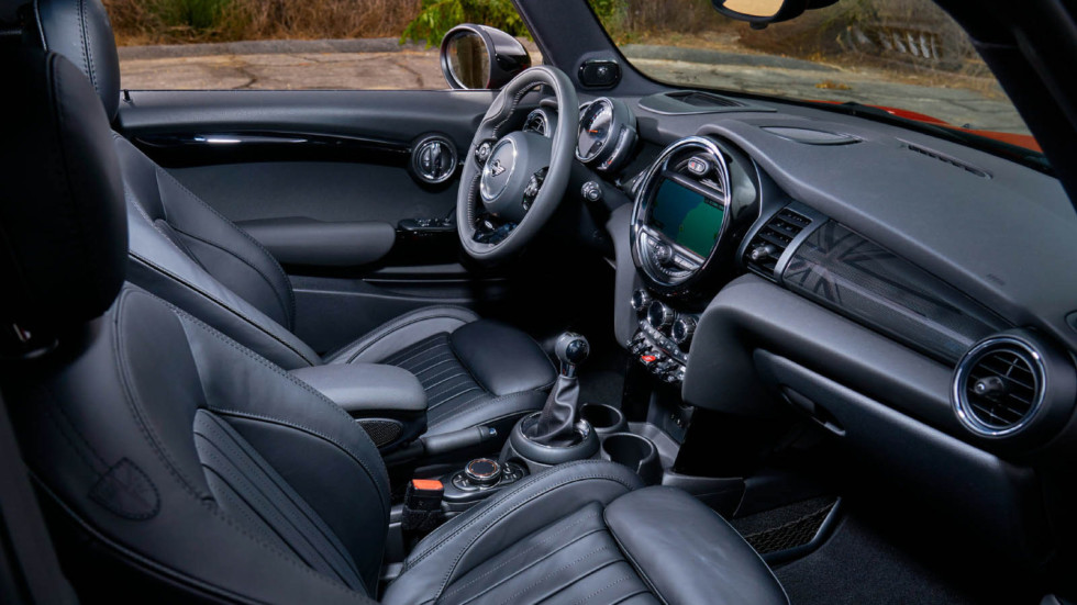 Салон MINI Cooper S (F56) '2018–н.в.